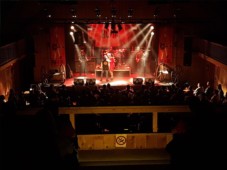 Le 29 septembre, le groupe High Voltage a rendu hommage au groupe rock AC/DC! Acoustix Québec s'est occupé de l'éclairage et de la sonorisation.